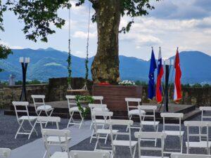 Poročni sprejem zunaj Grad Komenda